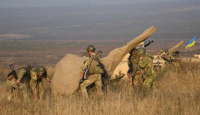 KUUM: Ukraina alustas vägede väljatõmbamist riigi idaosast
