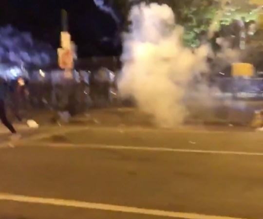 VIDEO: Ameeriklased ei pea komandanditunnist kinni, Valge Maja ümber plahvatavad granaadid