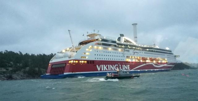 Ootamatu pööre: karile sõitnud Viking Grace viib reisijad ise koju