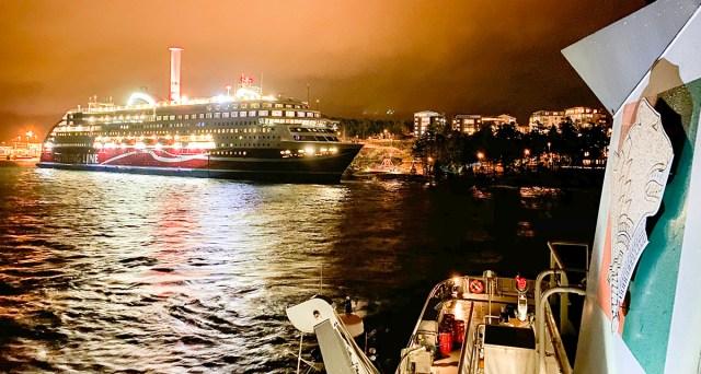 Värske info karile sõitnud reisilaeva Viking Grace kohta: reisijad evakueeritakse laevalt hommikul