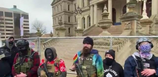 KUUM: USA-s valmistutakse relvastatud ülestõusuks, osariikides kogunevad grupeeringud