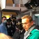 KUUM: Venemaal on tunda riigipöörde hõngu – võimud on ärevil, rahvas skandeerib: Häbi! (lisatud video Navalnõi kinnivõtmisest lennujaamas)