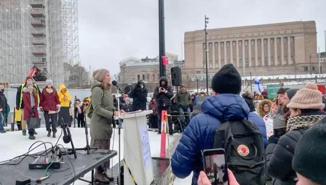 Helsingi meeleavaldus: sunniviisiliselt haiglasse viidud eestlanna oli meelsusvang, eestlanna esines kõnega vabadusest