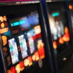 Satunnaisluvut ja palautusprosentti: näin nettikasinot tekevät pelaamisesta reilua