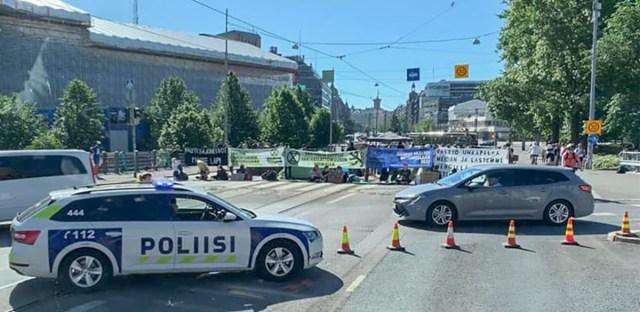KUUM: Soomes evakueeriti kliimasõdalaste eest president ja valitsuse liikmed