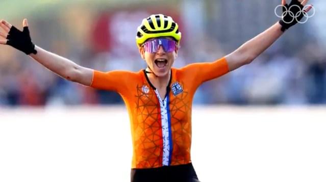 Šokk finišis: Hollandi rattur tõstis võidukalt käed üles teadmata, et võitja oli juba tükk aega tagasi lõpetanud