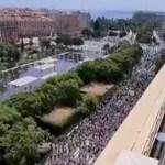 VIDEO: Sajad tuhanded koroonapasside ja sundvaktsineerimise vastased tulid Pariisis tänavale