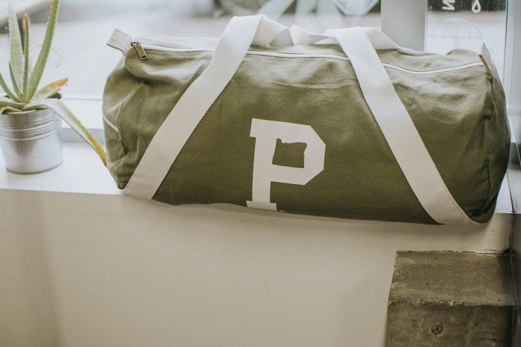 【客製化手提袋】傳達心意與新意,讓你的送禮包裝從一般提袋中脫穎而出,客製化手提袋提升送禮質感與企業形象