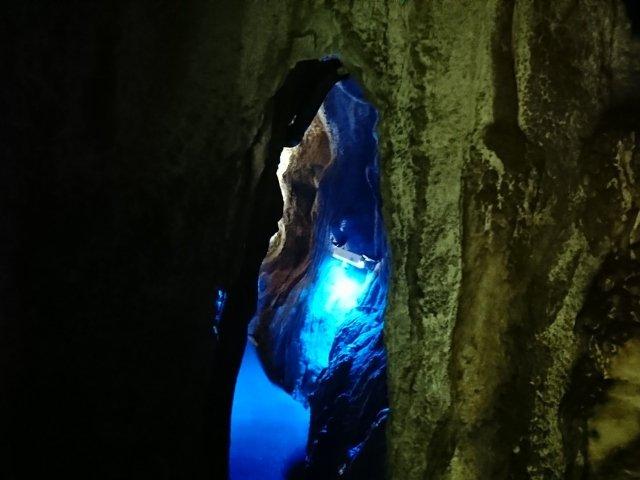 龍河洞内部