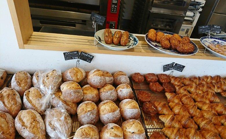 岩本こむぎ店のパン