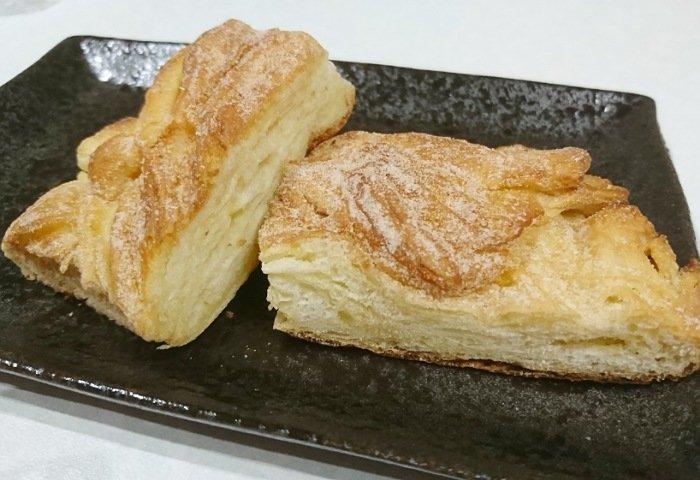ベルナールで試食用にもらったパン