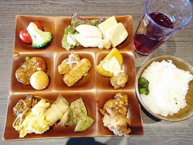阿波ダイニングしん坊:料理を食べる1