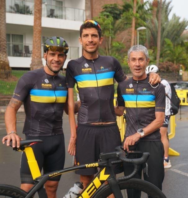 Óscar Pereiro, Alex Sánchez y Martín Fiz ganan el triatlón Autor: Planeta Triatlón