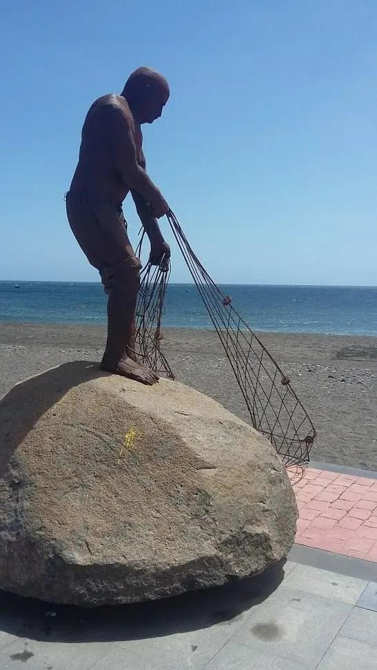 El pescador de sueños (Juan Miguel Cubas; Tarajalejo, Fuerteventura) ¡Que las redes no te quiten el tuyo!