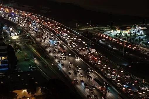 Cientos de coches atrapados en un atasco