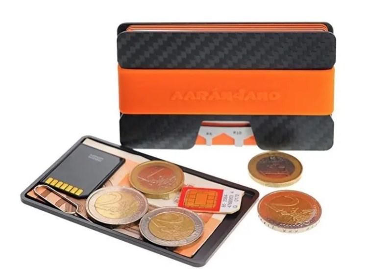 Detalle bandeja para monedas y billetes