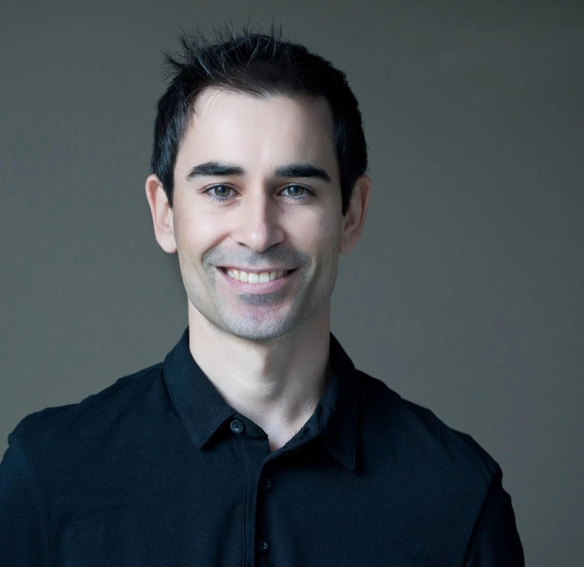 """<a href=""""https://www.emorganizer.com""""target=""""_blank"""">Miquel Nadal</a>"""