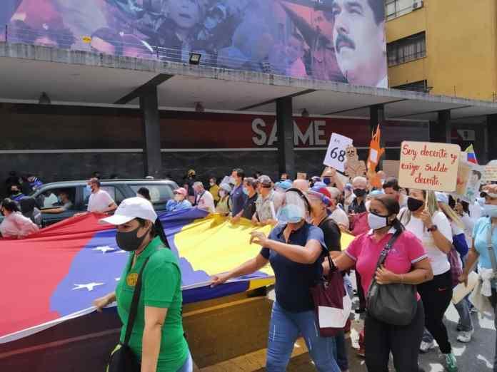 Docentes y trabajadores de la salud protestaron unidos este #04Nov 1