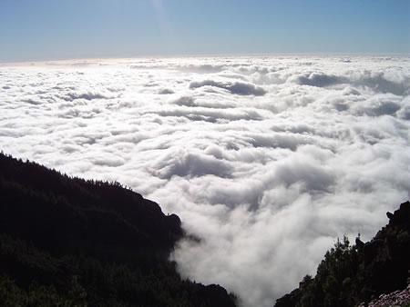 Mar de nubes que llega