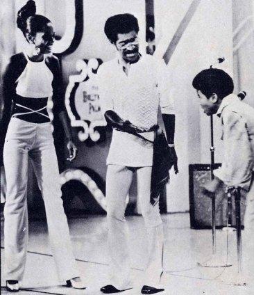 Michael brinca com Sammy Davis Jr.