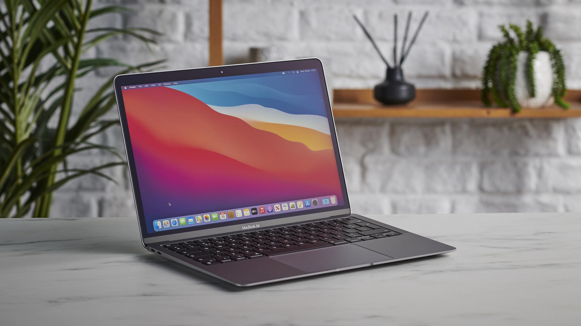 Apple MacBook Air (M1): best Apple laptop