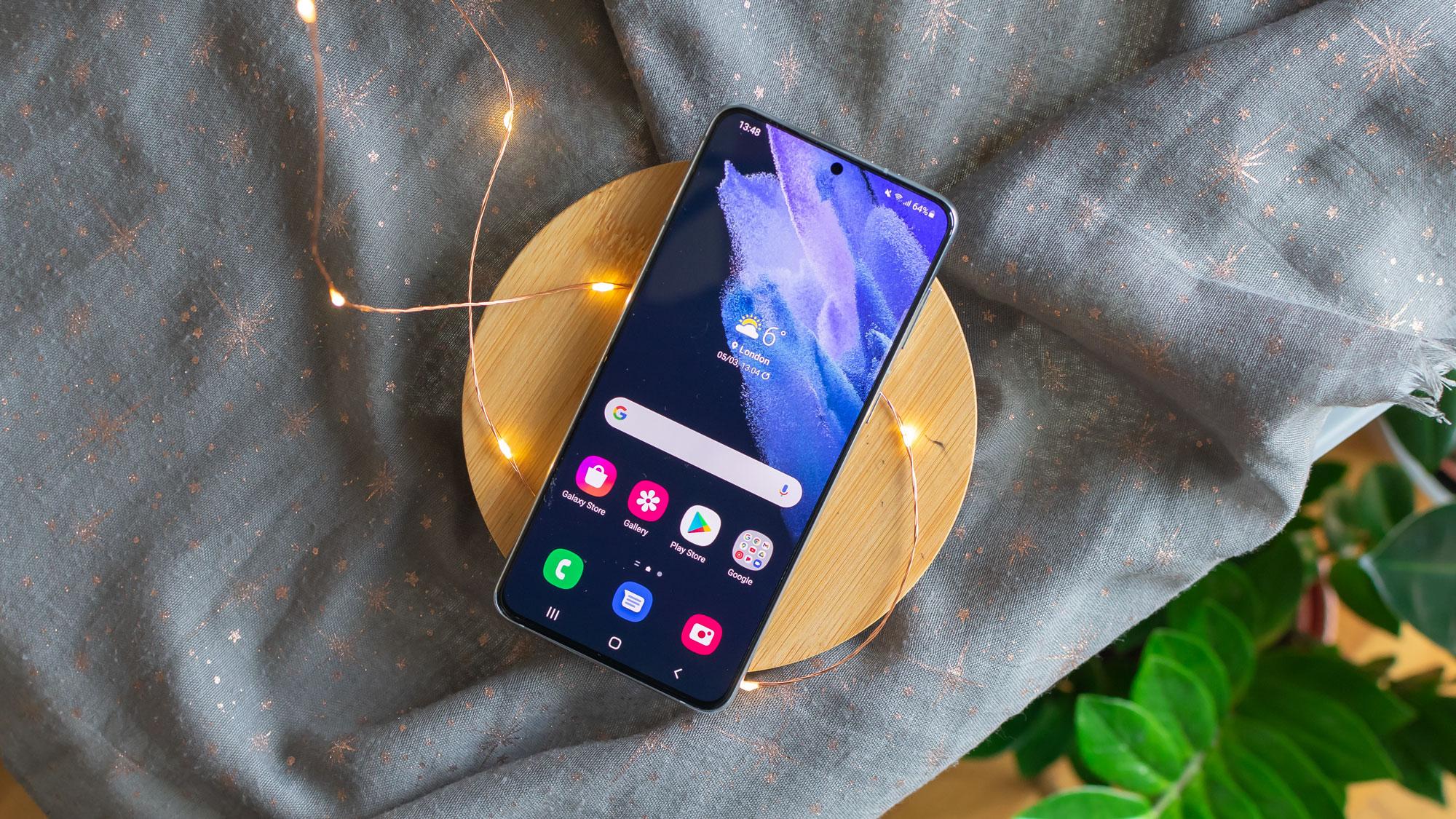 Samsung Galaxy S21+: best flagship