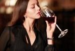 Quels nutriments sont détruits par l'alcool, le café, les cigarettes et le sucre raffiné?