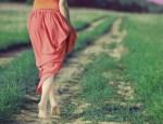 Les avantages pour la santé de marcher pieds nus