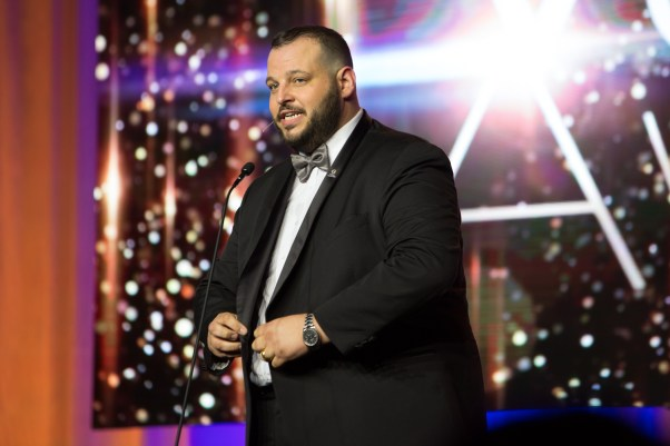 Daniel Franzsese Hosting The Voice Awards 2017