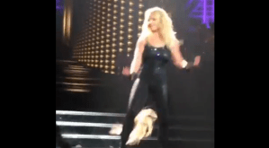Watch as Britney Spears's hair extension falls out during concert at Planet Hollywood