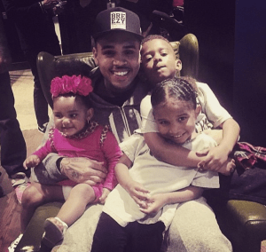 Chris Brown Loves Kids (Photo)