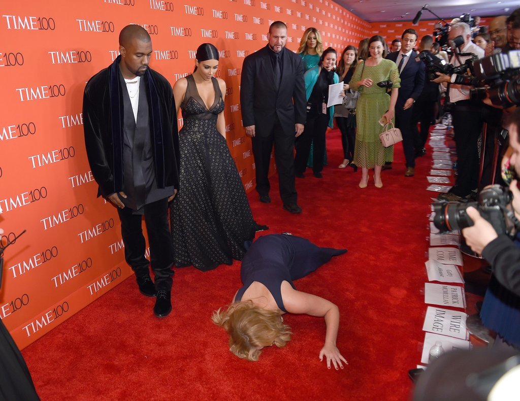 , Kanye West not pleased as Comedienne Amy Schumer falls next to Kim at the TIME 100 Gala (Photos), Effiezy - Top Nigerian News & Entertainment Website