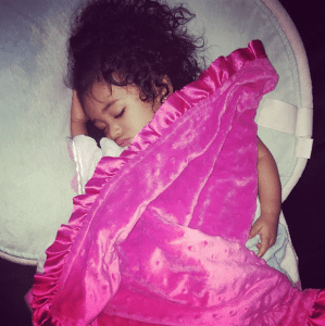 Chris Brown shares Daddy's Love for his Daughter (Photo)