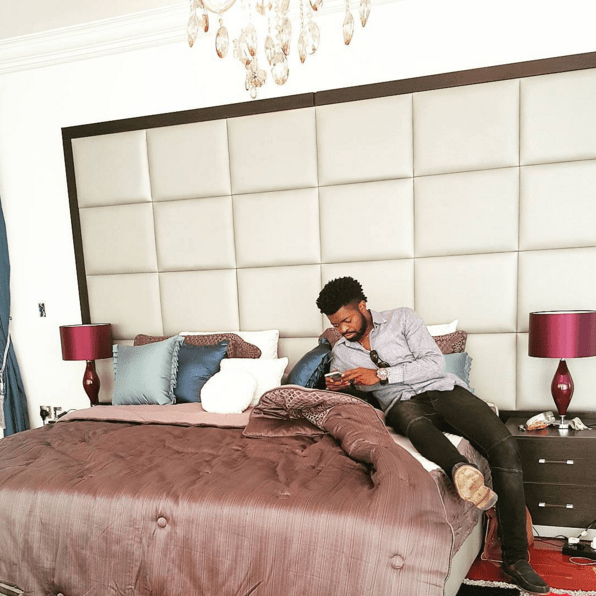 basketmouth in linda Ikeji's bedroom