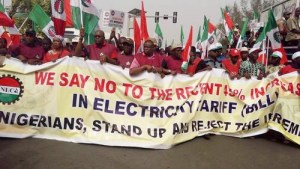 Workers protest over 45% electricity tariff hike (Photos)