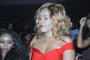 Oops! See scary makeup of ladies at events (Photos)