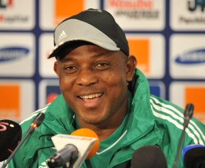 Stephen Keshi was to meet with Guinea officials on Wednesday