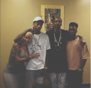 Look at how Exes Amber Rose and Wiz Khalifa are cuddling (Photo)