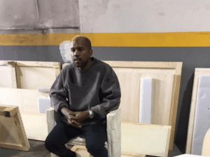 Kanye West seen first time since leaving hospital (Photo)