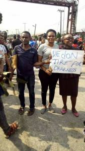 Sapele residents protest over power outage!