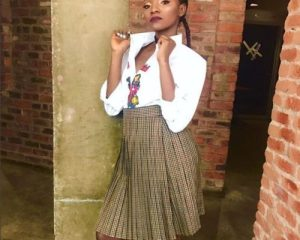 , BBNaija – Simi's fans blast her for wearing a 'CAC' chorister outfit during the BBNaija eviction show, Effiezy - Top Nigerian News & Entertainment Website