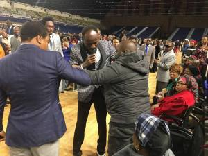 Apostle Suleiman heals a crippled man