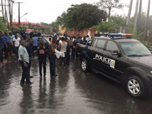 Students protest against colleagues' rustication at UNILAG (Photos)