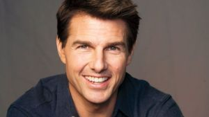 """Girls lined up to give Tom Cruise blowjob on set of movie """"risky business"""""""
