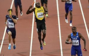 , Dramatic photos of Bolt's injury-ending race, Effiezy - Top Nigerian News & Entertainment Website