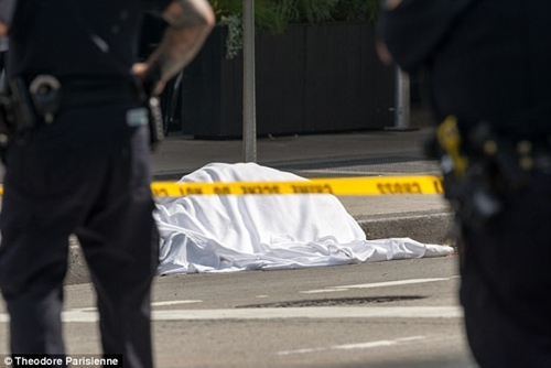 , Total Horror! Watch as a woman jumps to her death from 12th floor of a hotel in New York (Photos/Video), Effiezy - Top Nigerian News & Entertainment Website