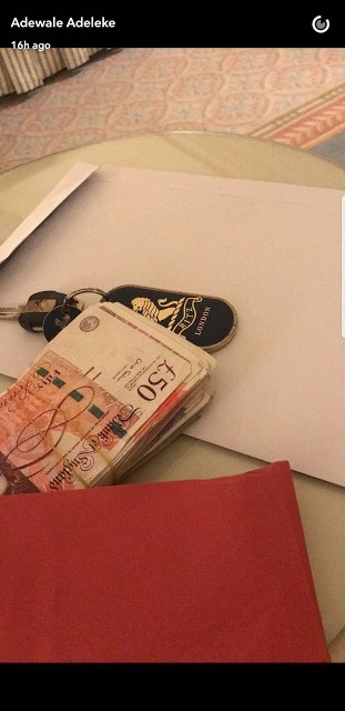 , The Moment Girl Licks Davido Brother's Sweaty Face When She Saw Money (photos), Effiezy - Top Nigerian News & Entertainment Website