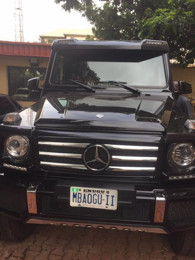 , Enugu traditional ruler acquires brand new 2018 Mercedes-Benz G-Wagon worth over N50million (Photos), Effiezy - Top Nigerian News & Entertainment Website