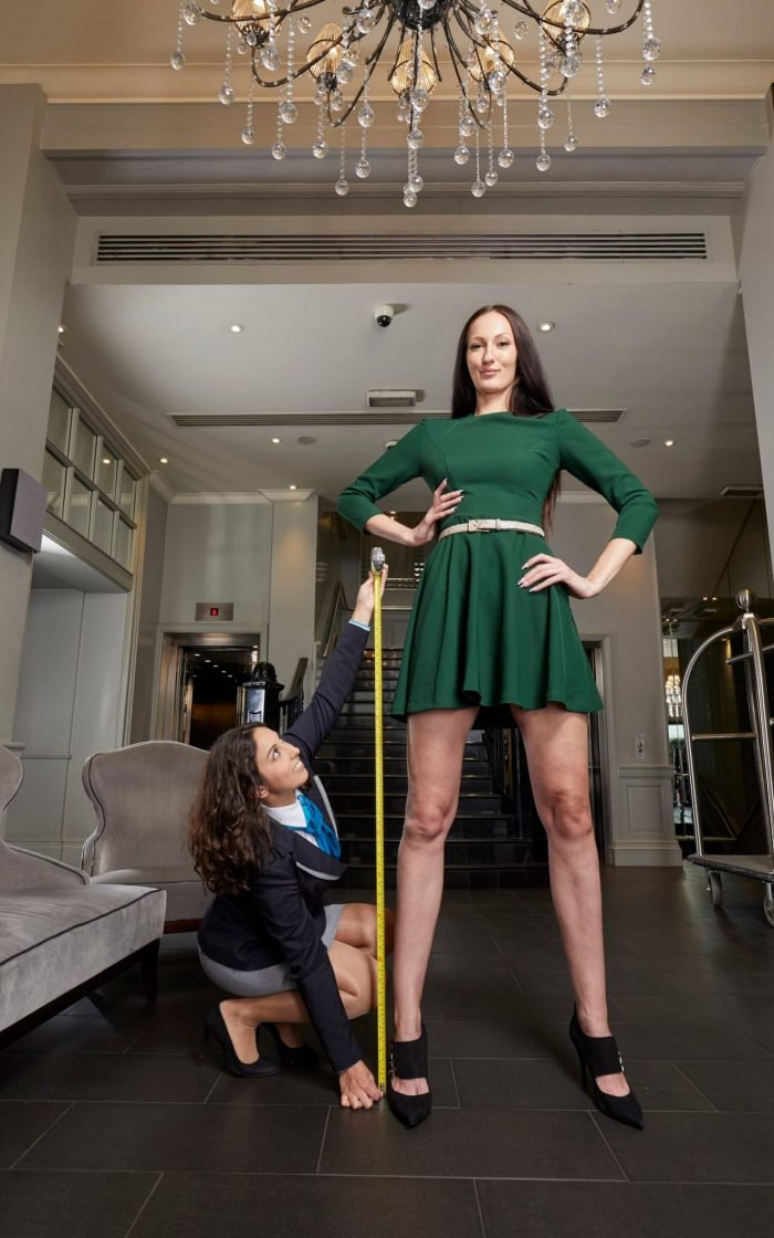 , Meet The Model With The Longest Legs In The World As She Scoops 2 Guinness World Records (Photos), Effiezy - Top Nigerian News & Entertainment Website