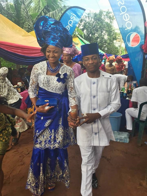 , Why my 17-year-old sister married her 18-year-old boyfriend – Lady shares details of viral 'Teenage Wedding', Effiezy - Top Nigerian News & Entertainment Website